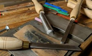 How to Sharpen Lathe Tools without a Grinder
