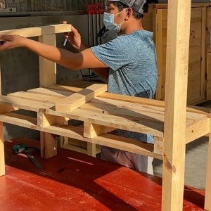 New Designs From Wooden Pallets Will Surprise You // The Right Pallet Chair For Your Backyard