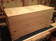 Pine Chest by redwood