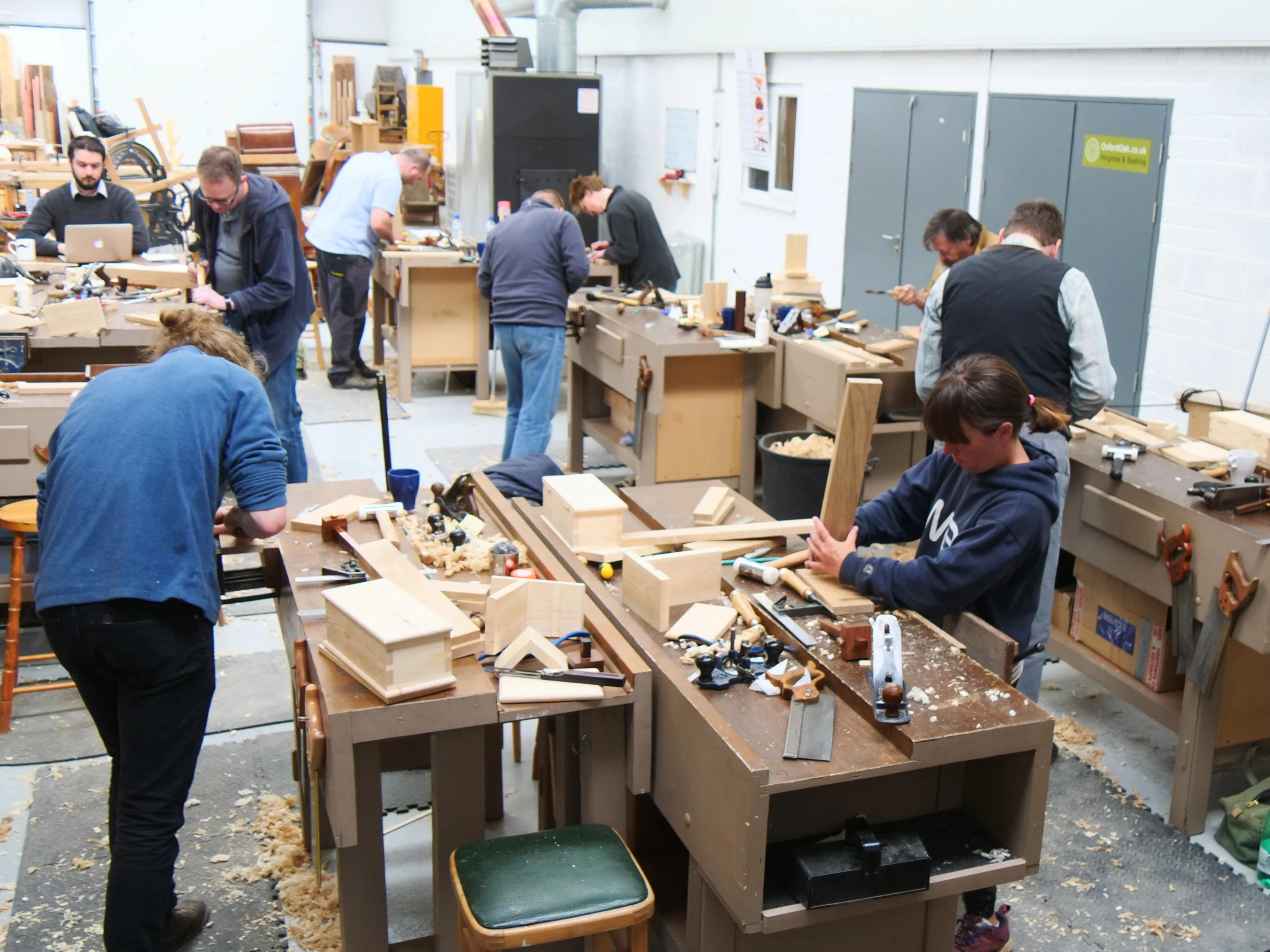Interspersed Throughout This Course Are Lectures And Demonstrations Around  The Workbench. Here, Paul Seeks To Ensure That Each Students Learns What It  Takes ...