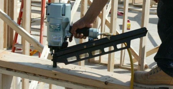 how to choose nail gun