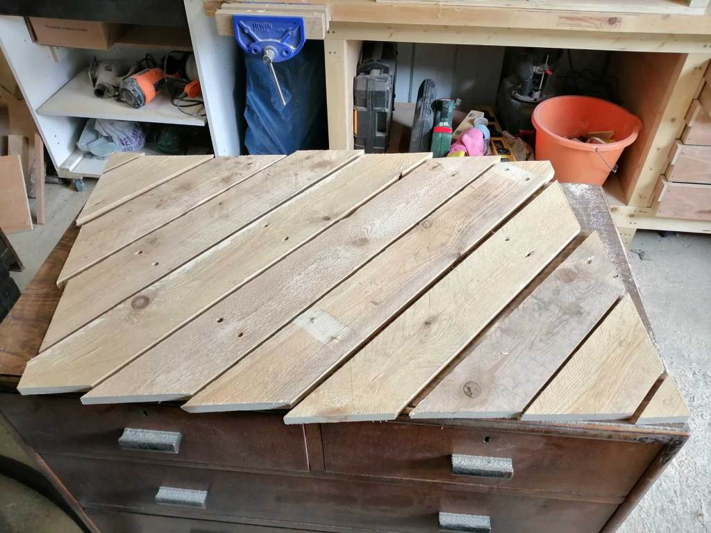 Pallet table top pieces