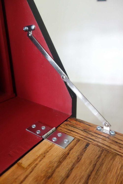 Bureau desk - Hinge close up