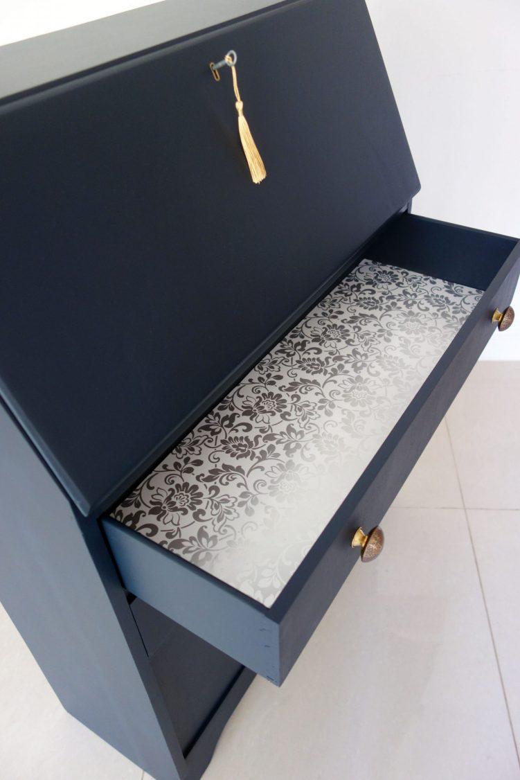 Bureau desk - Drawer inside