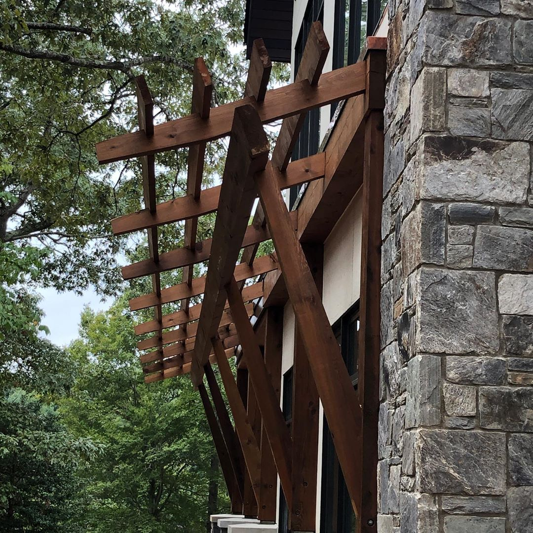 Cedar wood trellis @cmknight_fine_homebuilding