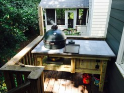 Big Green Egg table with concrete top