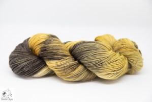 laine teinte à la main
