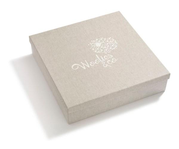 Pudełko z logo obłożone materiałem wysokie 001 | 202-BIG-BOX | www.wooliesandco.pl | shop online