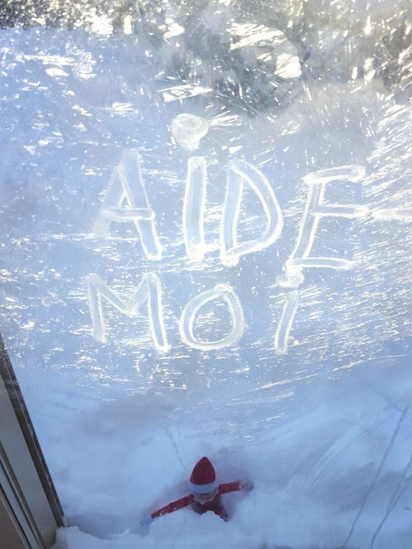 Un lutin pris dans le banc de neige / wooloo