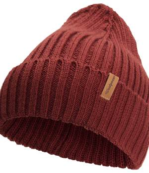ribbed beanie in rust red