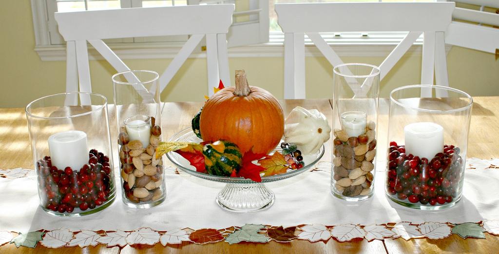 Twee linkerhandjes tóch herfst in huis woonruimtelijk