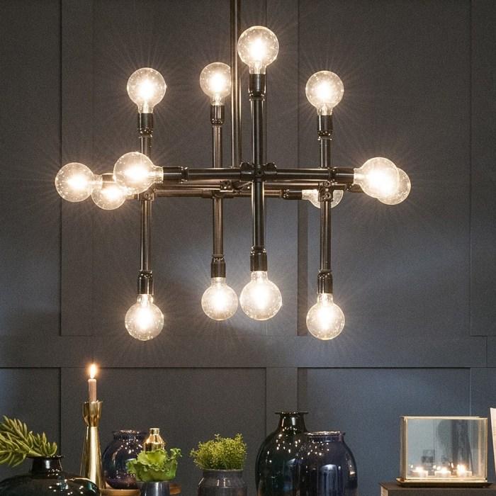 lamp van steigerbuizen