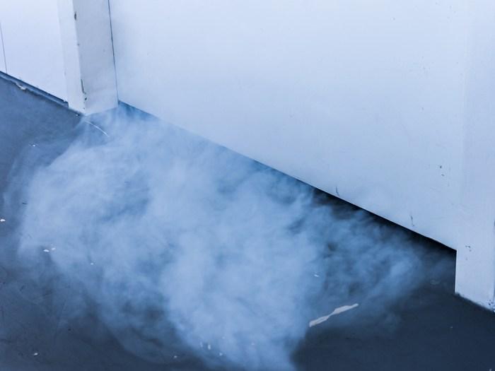 rook onder de deur