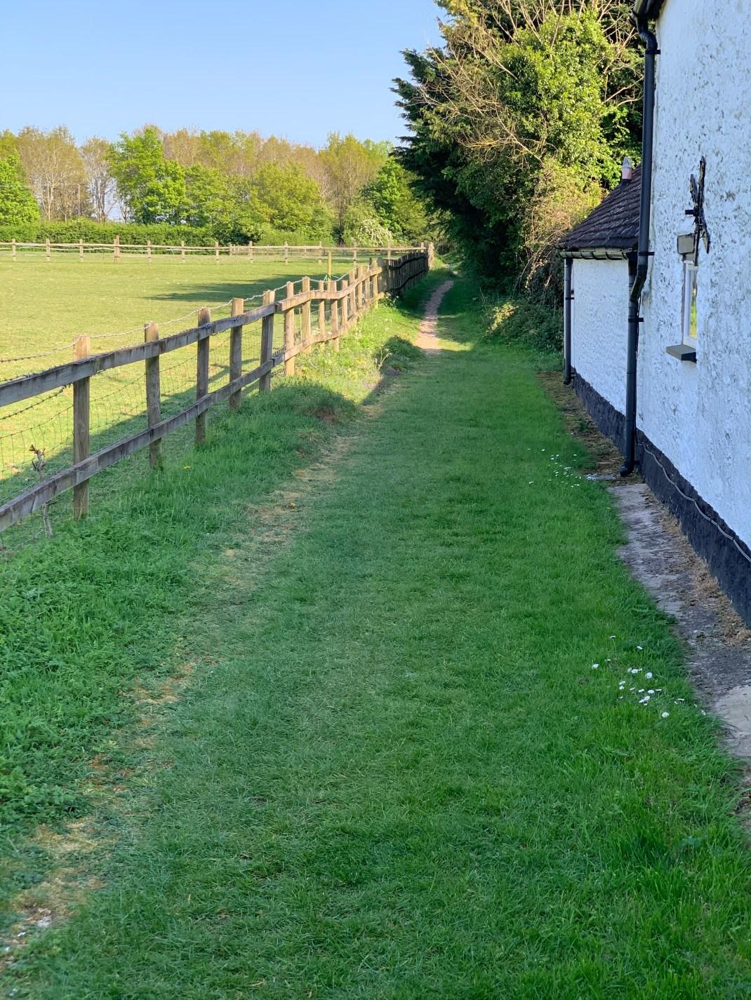 wootton parish village footpath 3