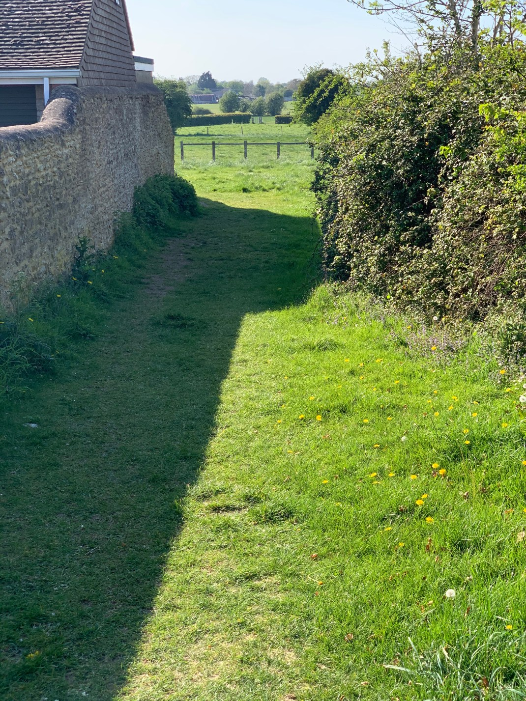 wootton parish village footpath