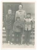 Judy Rasmussen, Dick Rasmussen, John Rasmussen with Aunt Ellen