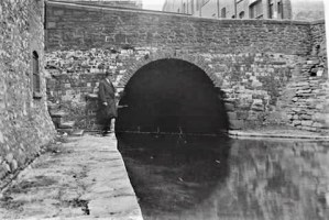tunnel-under-queen-street-st-darkest-cardiff