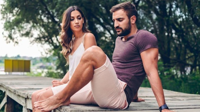 10 Helpful Tips to Get a Guy Over His Ex andInto You