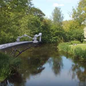 Robots Are 3D-Printing a Bridge - video