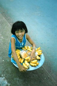 Vietnam_Saigon_Child_in_the_Street