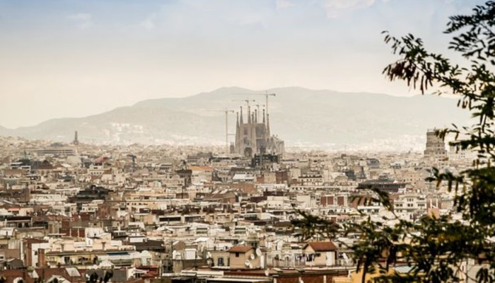 sagrada familia in the distance