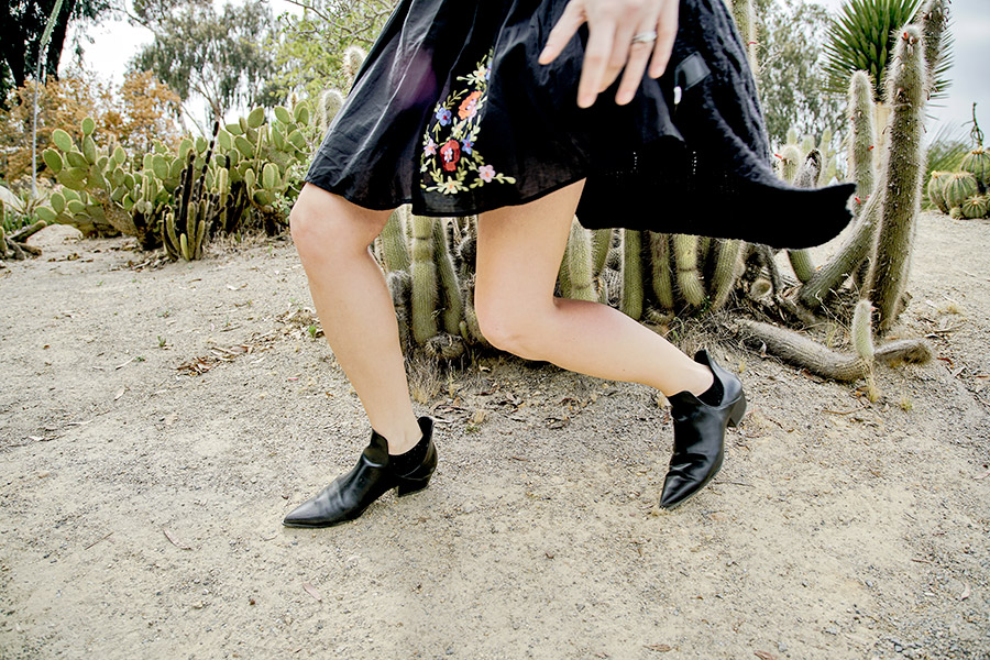 Embroidered-Dress-Blogger-Street-Style-4