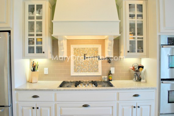 Mary Organizes Home Tour - Kitchen (2)