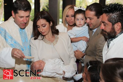 Le Rev. Alberto Cutie baptise son fils Alberto Felipe