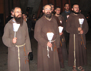 Capucin de Morgon en Procession