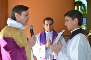 Carlos Urrutigoity (à gauche)