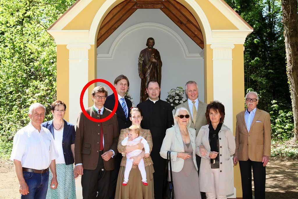 Nikolaus von Ankershofen à la dédicace d'une chapelle <abbr data-recalc-dims=