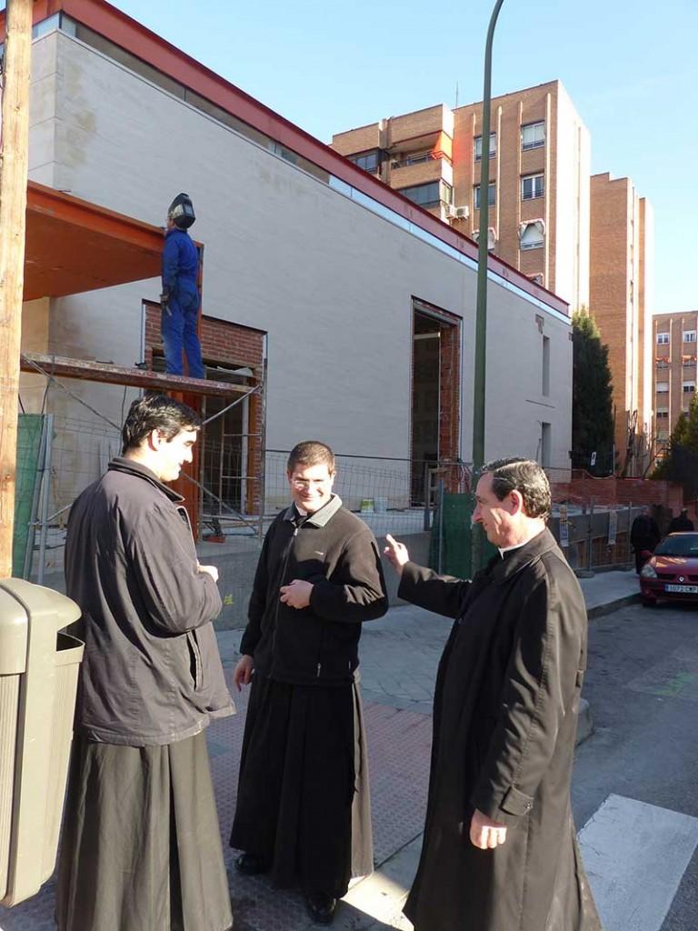 El mayor culpable del monstruo: Monseñor de Galarreta sonriendo