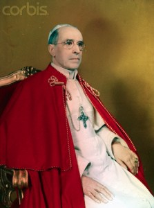 01 Jan 1946 - Portrait du Pape Pie xii assis sur le trône