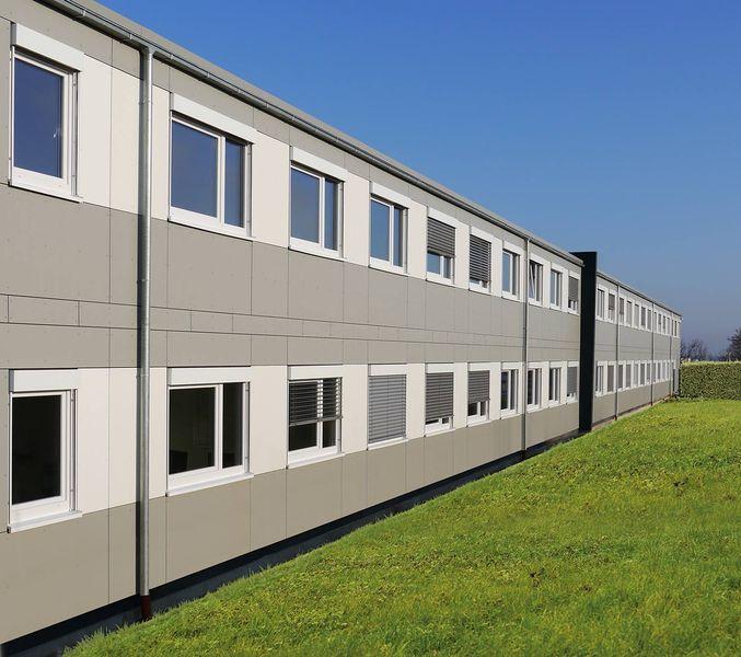 , Preh Car Connect nutzt am Standort in Dresden ein Mietgebäude von Heinkel Modulbau, Blaubeuren, Heinkel Modulbau