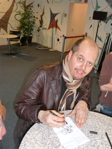 What a funny guy!! Ralph Rute (comic & cartoons..check out www.ruthe.de ) backstage in Baden-Baden, march, 26th 2009