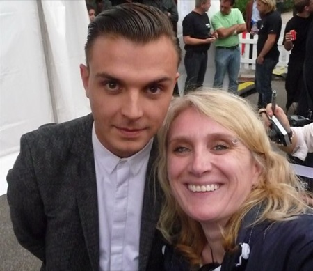Theo Hutchcraft (Hurts) & me backstage at the Festival Lounge (SWR3 New Pop Festival, Baden-Baden) - a real gentleman...so nice, so kind, so friendly, smart and good looking:-) Unfortunately Adam Anderson didn't make it on the photo, but - rather one than none;-)