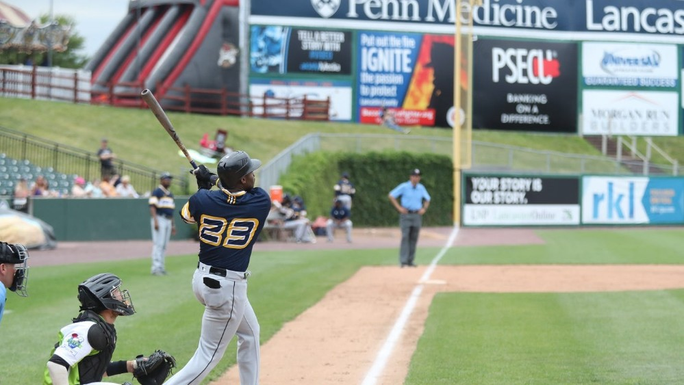 Telvin Nash hits a dong for the York Revolution