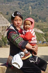 Black H'Mong mother and child