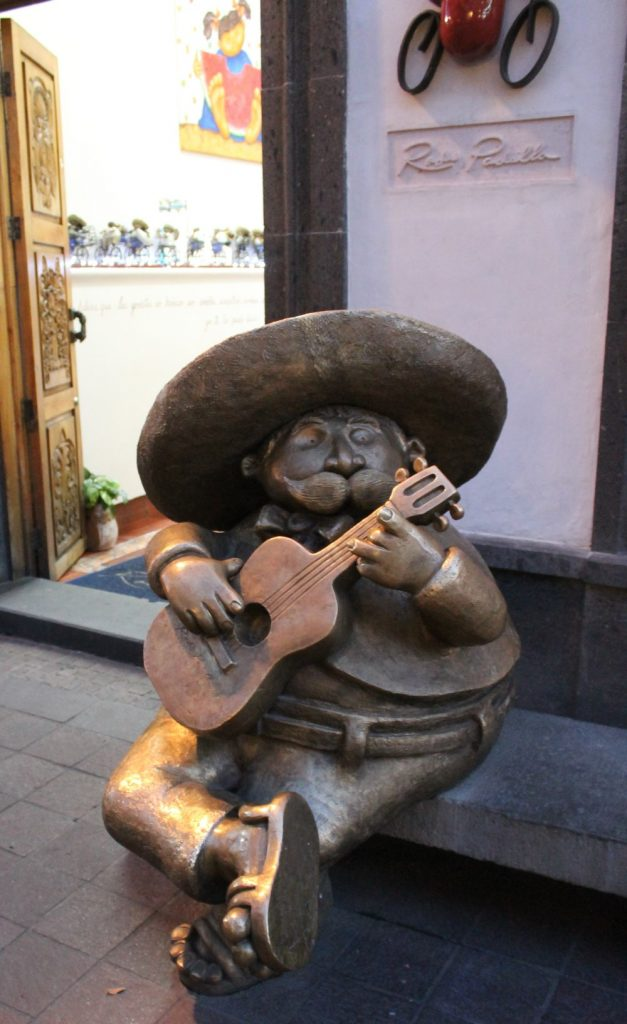 Tlaquepaque Statue in Guadalajara-Mexican City of the future!