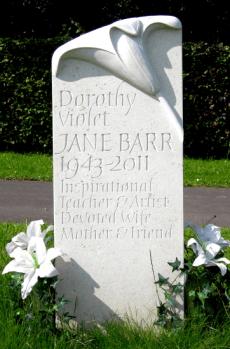 Source: http://www.malcolmsier.co.uk/memorials/headstones/