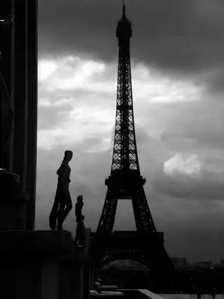 Contrast_tower_toureiffel_14714_h