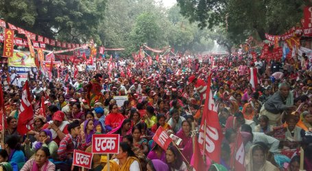 Indian unions mobilize thousands of workers to protest anti-worker policies of Modi government