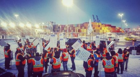 Longshore workers invite themselves to federal Cabinet ministers' retreat in Sherbrooke