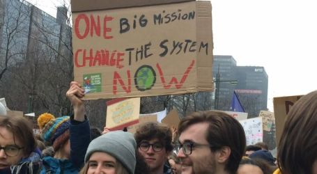 Massive student rally on climate change