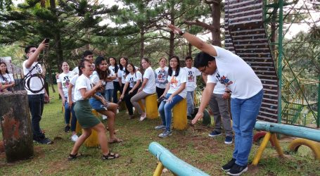 Youth camp mobilizes young workers in the Philippines