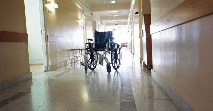 NY lawmakers pass bill to repeal COVID-19 liability protections for nursing homes, hospitals