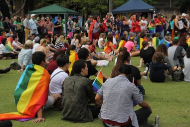 Marriage_equality_crowd_gathered_queens_park_brisbane