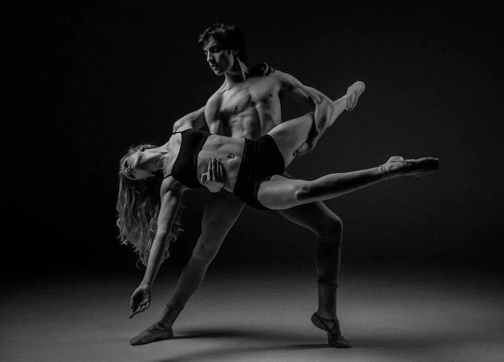 strong muscles from dancing ballet