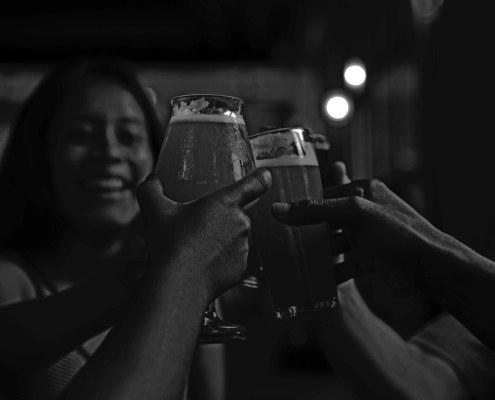 Bierproeverij in het donker Amsterdam