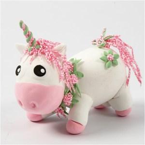 DIY roze unicorn klei